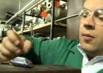 exibe uma amostra de silício