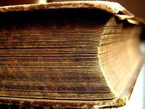 livro antigo paginas